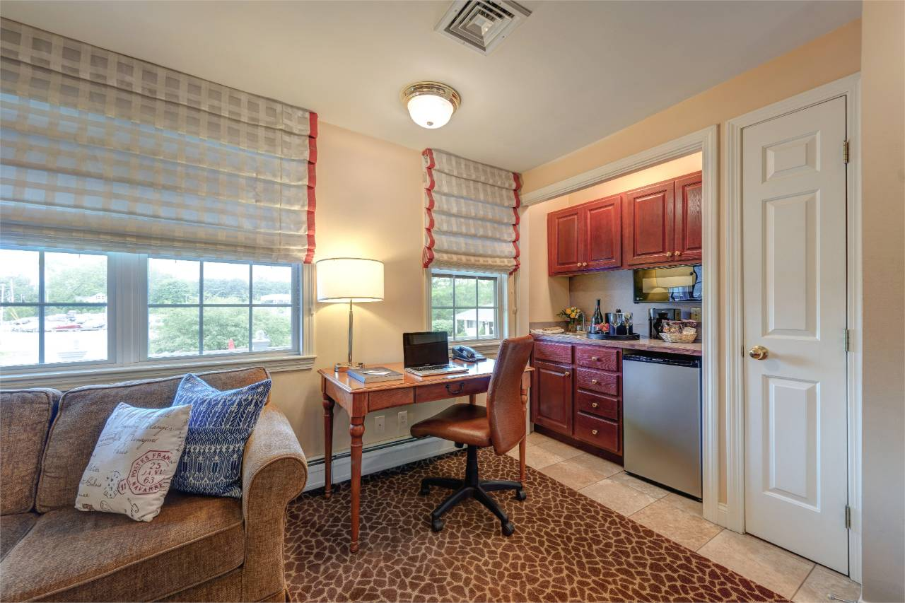 Port Inn Suite